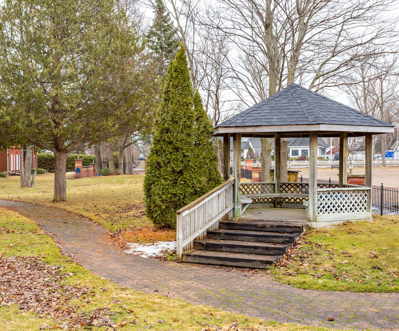 1 Sherwood St.,  Bobcaygeon, Ontario    - Photo 2 - RP5173265231